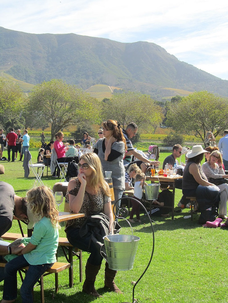 A glorious #autumn day at Constantia Uitsig! Life just doesn't get any better than this....