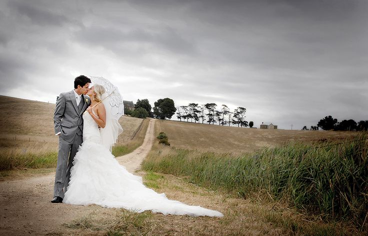A beautiful country / rustic style wedding of Lisa & Brett.