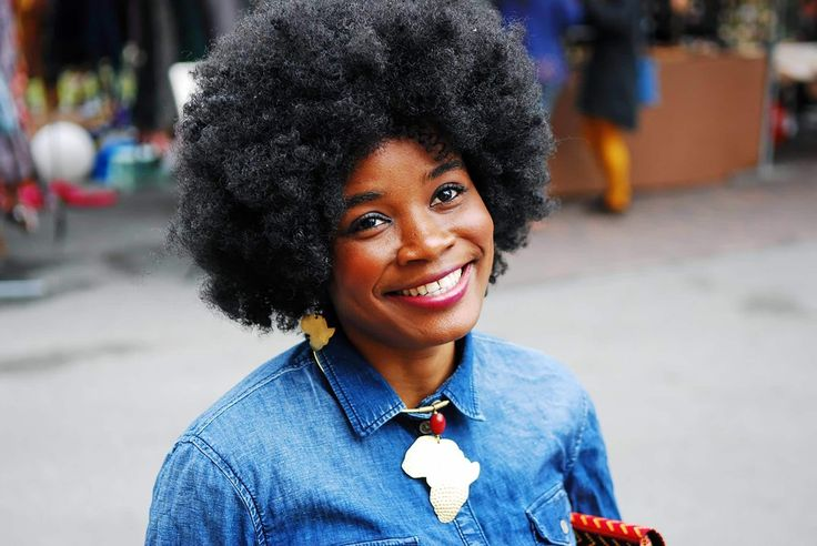 Os cortes de cabelos crespos curtos são versáteis e deixam qualquer mulher mais estilosa. Além disso, podem ser ótimas sugestões para o big chop. | All Things Hair - Dos especialistas em cabelos da Unilever