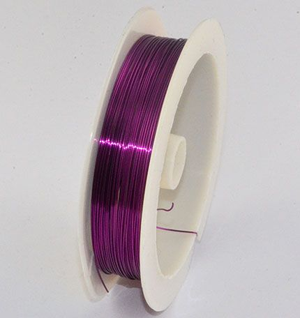 Copper or metal wire is ideal for jewellery projects, multi threaded necklaces, bracelets etc. In addition to our copper wiring, we also have in stock the traditional tiger tail, crystal elastic, cotton waxed wiring, memory wiring and leather cords. Our copper wiring represents a great value in terms of pricing and quality.