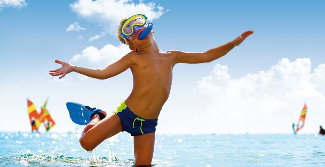 Primo sole: A Bibione il dermatologo è in spiaggia - Manca poco all'estate e con la bella stagione arriva il primo sole. Attenzione quindi alle scottature soprattutto della pelle delicata dei bambini, an...