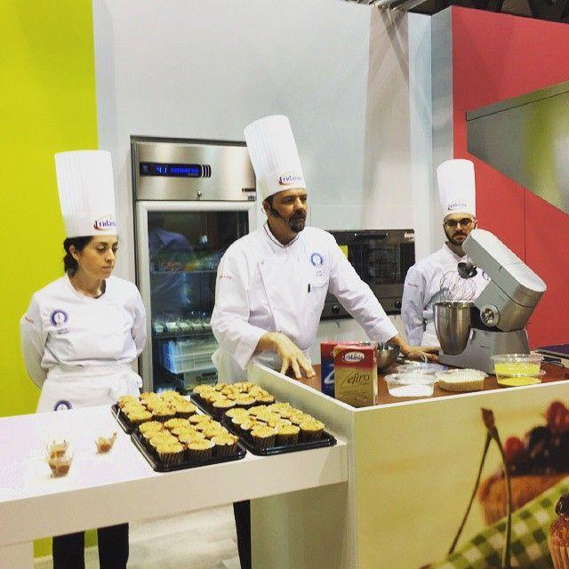 "#TuttoFood2015 inizia lo #showcooking  con Stefan Krueger ""Francia in bici"", il nuovo Zefiro di canna tra i potagonisti. #zuccherodicanna #showcooking #recipe #muffin #instacooking #instafood #foodlove #breakfast #colazione #sweet #pastry #Chef #delicious #pastrylab #Italia #italy #igersmilano #igerslombardia #StefanKrueger"
