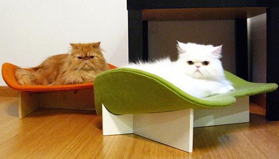 Gorgeous Retro Cat Bed Design by Jayne from Like Kittysville on hometofurniture.com