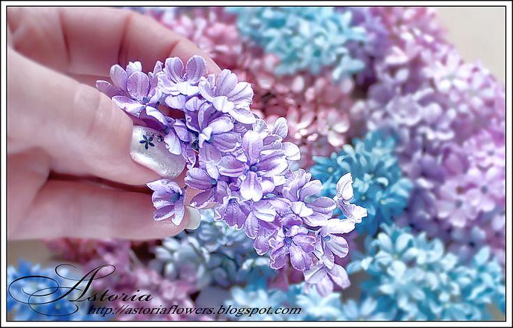 МК маленькие цветы с помощью термоинструмента.