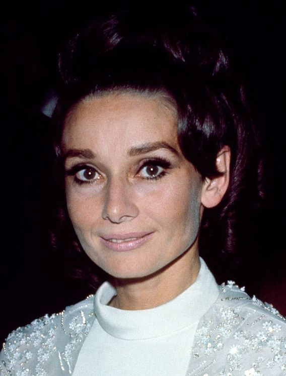 """Audrey Hepburn photographed at the Sistina Theatre (in Italian: """"Teatro Sistina"""") during the ceremony of """"Le Maschere d'Argento"""". Rome (Italy), October 08, 1968. Bloglines (2.7K)"""
