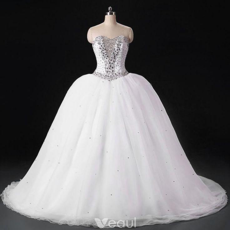 Glittrande Vit Bröllopsklänningar 2017 Halterneck Älskling Ärmlös Beading Kristall Paljetter Organza Balklänning Svep Tåg