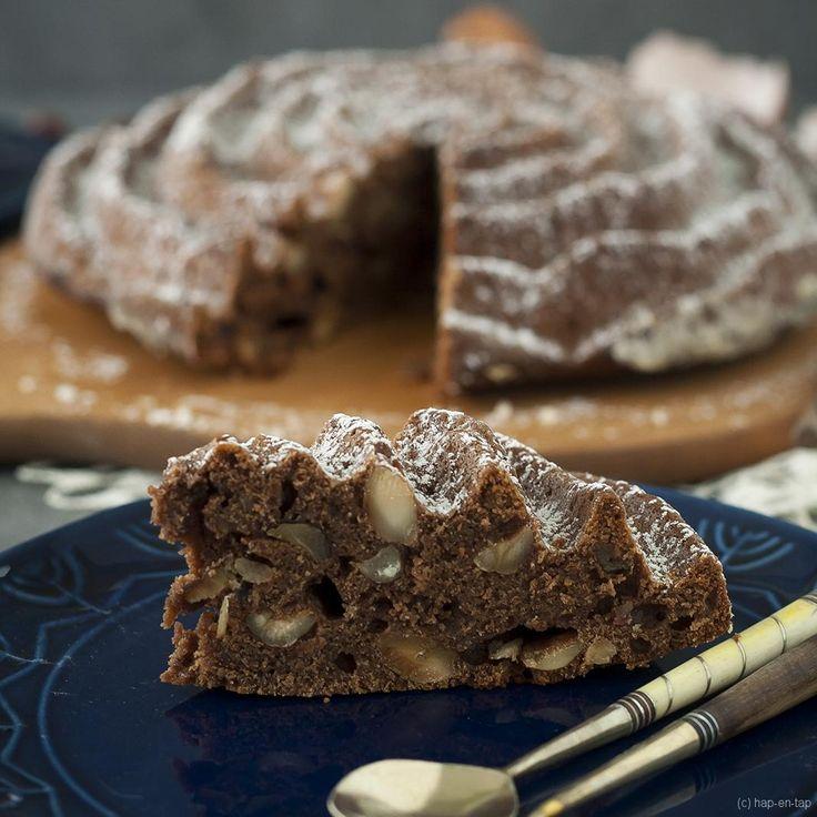 Maak van een gewone cake met chocolade en hazelnoten een verbluffende cake: kies voor een leuke (tulband) bakvorm. Your cake from zero to hero!