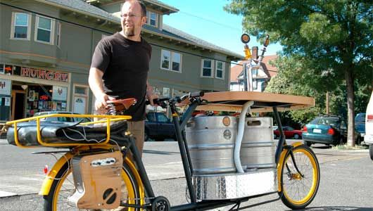 Beer in the bike lane | MNN - Mother Nature Network: Bicycles, Cargo Bike, Beer Cocktails, Bikes, Wood Bar, Cargobike, Pizza Boxes, Beer Bike, Pedal Pushers