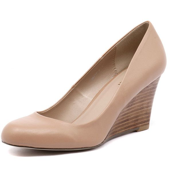 Verali Merry Nude (4.640 RUB) ❤ liked on Polyvore featuring shoes, pumps, wedge pumps, nude wedge pumps, wedge heel pumps, nude shoes and nude court shoes