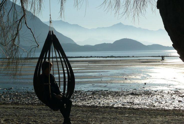 Dew Hanging Chair / John Deucrass for Essenze