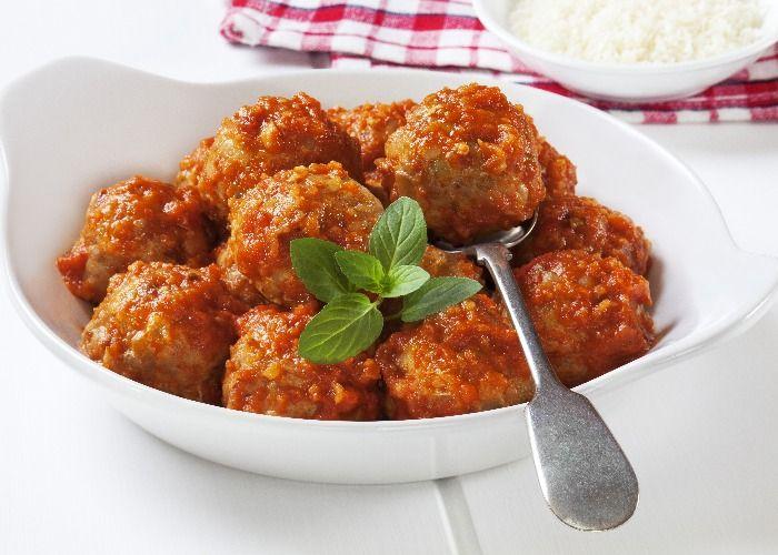Albondigas en salsa (meatballs in sauce) recipe