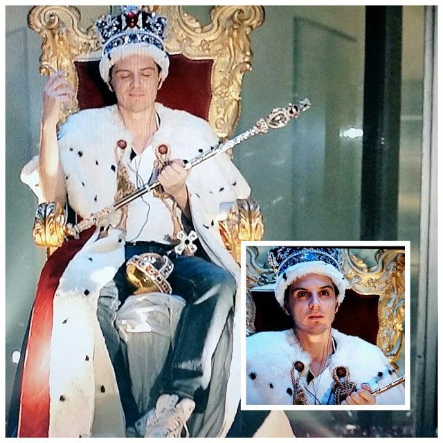 #The30DaysofChannelSurfing Day 19: Favorite Costume/Outfit - Moriarty in the crown jewels #Sherlock #honeyyoushouldseemeinacrown