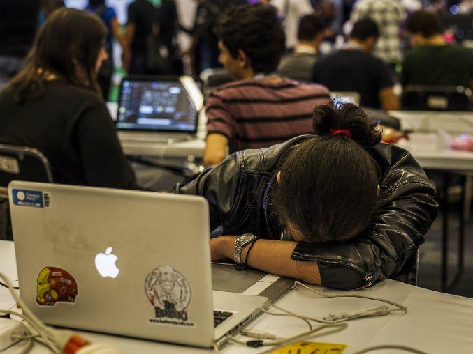 Sin un sueño reparador la persona puede manifestar cansancio excesivo, somnolencia e irritabilidad