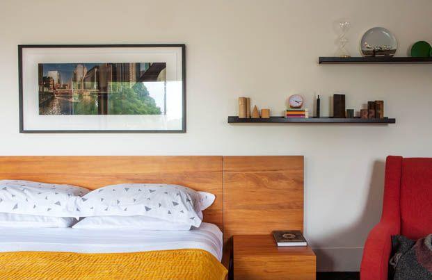 De muren van dit familiehuis in Nieuw-Zeeland bestaan uit grote schuifdeuren - Roomed