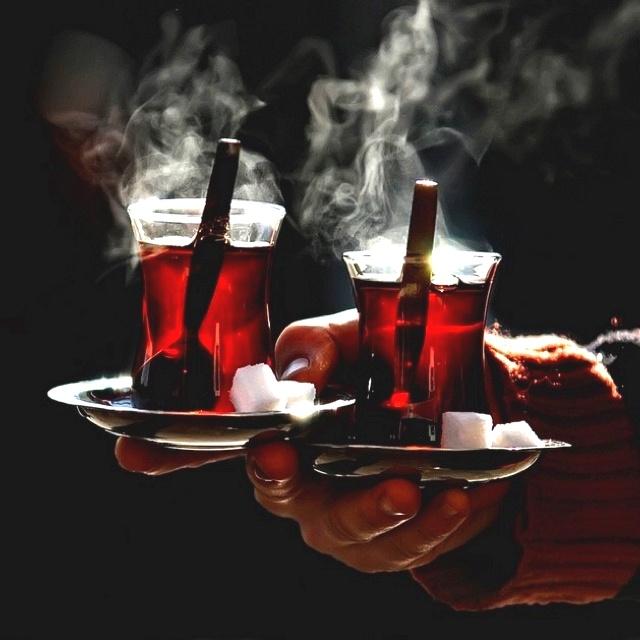 Chá turco, indispensável..