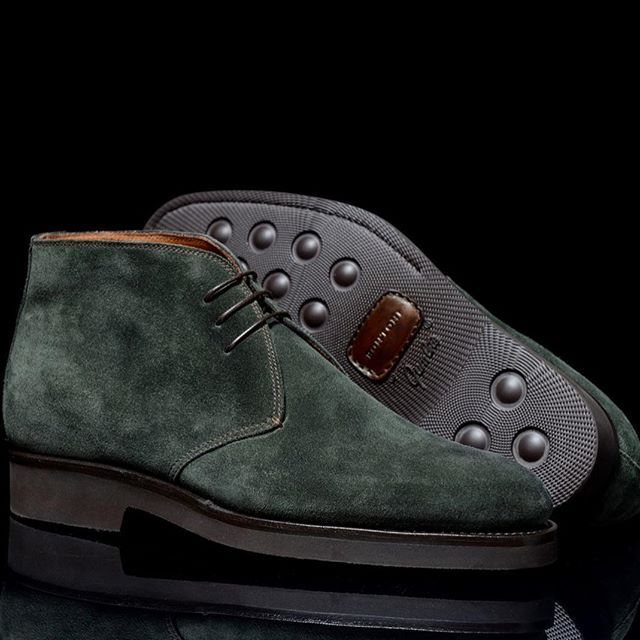 Bontoni 'Desert' Forest Green Suede Boot #Bontoni #boot #suede #altasartoriamoscow @altasartoriamoscow #regram #prezzaturra #mensshoes #italy #moscow #milano #maseinitaly #shoeporn bespoke #mtm #handmade #bespokeshoes #dapperman #dapper #rakish #shoegame #luxuryshoes #monsieur #zapatos #uomo