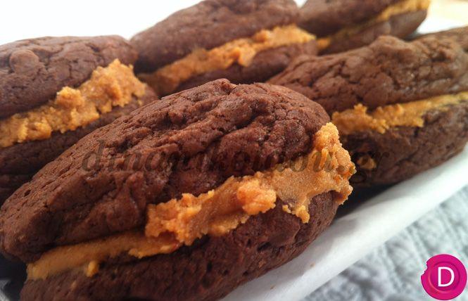 Cookies με 2 είδη σοκολάτας, γεμιστά με φιστικοβούτυρο | Dina Nikolaou