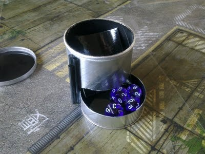 Diy Dice Tower Out Of A Pringle Container Me Crafts