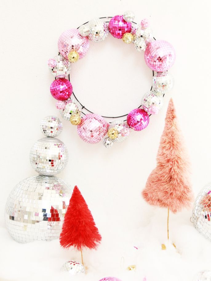 Love this pink christmas wreath!  #diy #diywreath #christmas