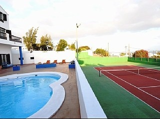 Lanzarote - Güime Villa with private pool, tennis court and sea views 11persons - 1000e/per week private pool and tennis