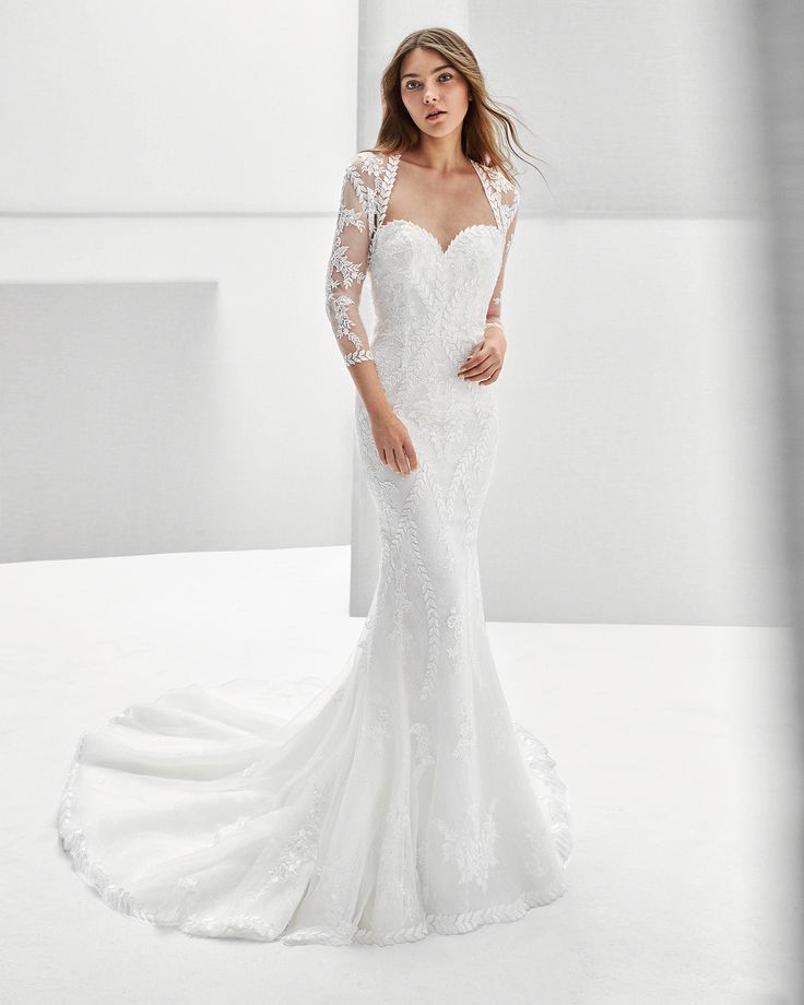 2018 Alma Novia Collection REX Mermaid-style beaded guipure lace wedding dress with sweetheart neckline and low back.