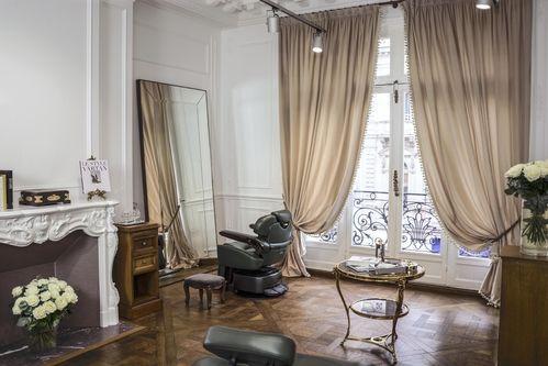 Hot News Balmain Hair Couture Ouvre Son Premier Salon Parisien Salon De Coiffure Chic Salon De Coiffure Coiffure De Paris
