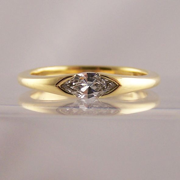 horizontally end set yellow gold marquise - Marquise Cut Engagement Rings - Ring Jewellery