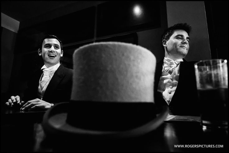 Groom and groomsmen meet up for a pre-wedding pint -