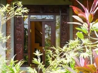 Swallow Guesthouse in REAL Ancient Baliese Kingdom, Ubud