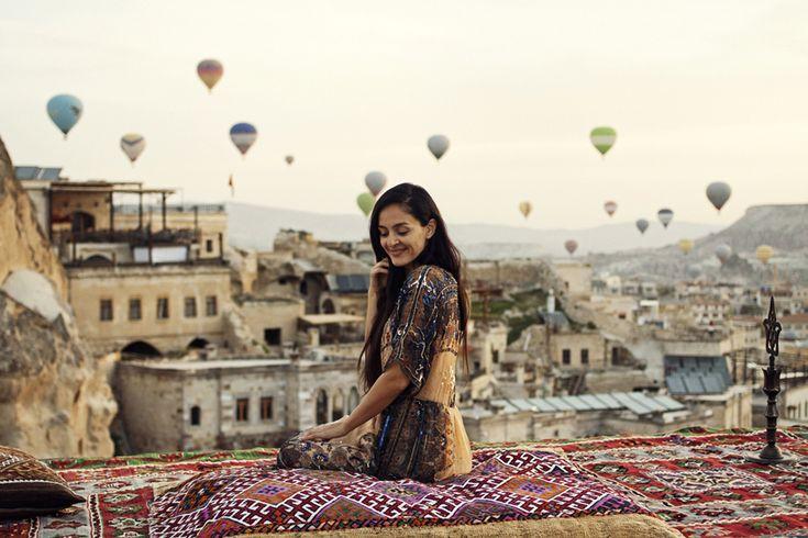 Другая планета Каппадокия Helena Kovalenko #balloons #cappadocia #turkey #outfit #travel #rooftop #sultancavesuite #каппадокия #турция #отель #полеты на воздушных шарах