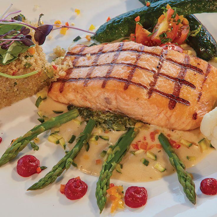 """Dock-to-dish,"" grill marks included! #foodforfoodies #scallops #foodiegram #eeeeeats #foodiechats #foodislife #salmon"