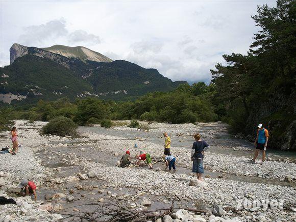 Camping Champ la Chèvre** Lus-la-Croix-Haute, rivier en zwembad