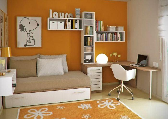 Jugendzimmer-orange-Wand-Teppich-sofa-Schreibtisch-elegantes-Design-Regale-Bücher