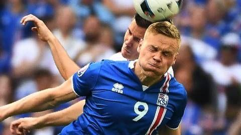 Melige Noord-Ieren bellen brandweer: 'Will Grigg is on fire' - EK voetbal 2016 - Frankrijk   NOS