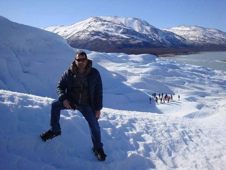 Jorge Gatto, one of our local experts and recent climber of ice walls! Read his entire profile > http://www.across-travelblog.com/local_trip_experts_jorge_gatto/ ● Jorge Gatto, experto local y reciente escalador de paredes de hielo! Lea su perfil completo > http://www.across-blogdeviajes.com/expertos_locales_jorge_gatto/