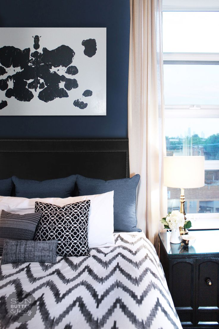 Dark blue and black bedroom - 20 Marvelous Navy Blue Bedroom Ideas