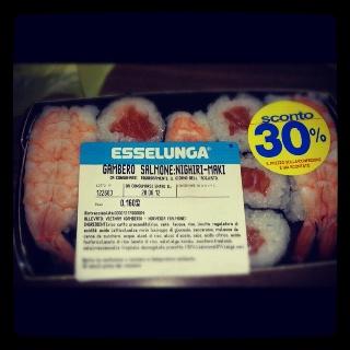 €4.13 buonoooo (per adesso viva e vegeta) #esselunga #sushi #love