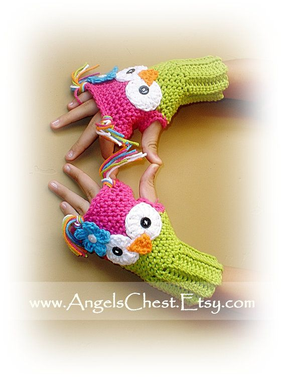 Crochet Pattern Owl Hand Warmers - Fingerless Gloves. Find a basic free pattern here and add the embellishments! http://bitsandbobblesblog.blogspot.co.uk/2013/07/crochet-fingerless-gloves-pattern.html?m=1