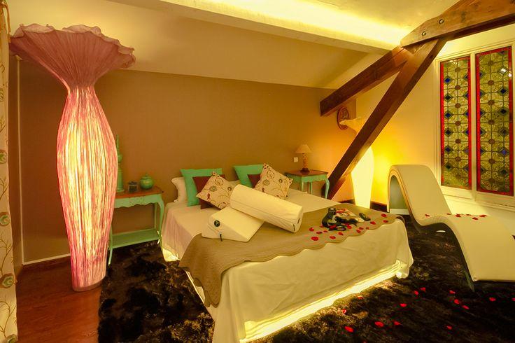 Suite Margarita Bonita del hotel La Bastide du Bois Breant (Maubec, Francia).