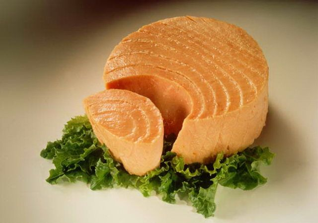 Tuna, 6 oz can - 40 grams of protein