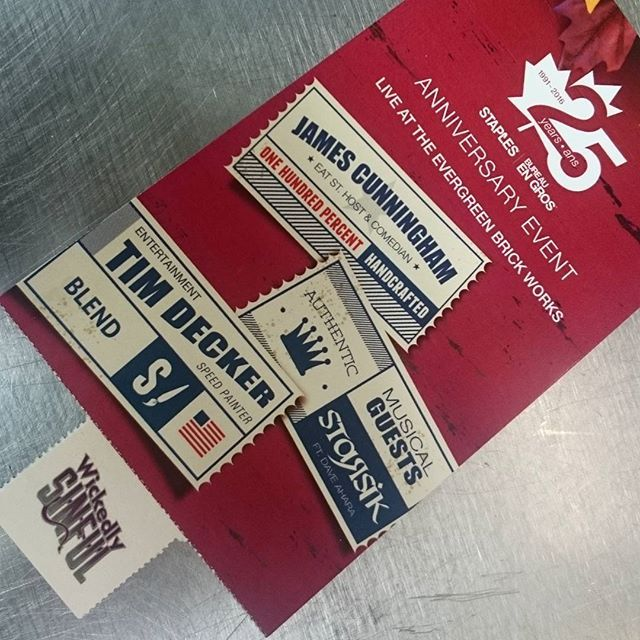 Under the roof at the #Evergreen Brickworks. . . . . . #wickedlysinful #awardwinning #foodtruck #poutine #cheesecurd #fromageriestalbertcheese #igchefs #igfoods #igmusic #livemusic #starsik #streetart #speedart #eatstreet #streetfood #catering  #Toronto #GTA  #cottagecountry #yorkregion #foodtruckatyourdoor #privateparty #tickets #graphicdesign #fonts #OktoberChowDown