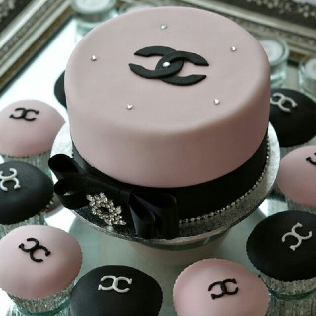 Chanel cake pink and brown