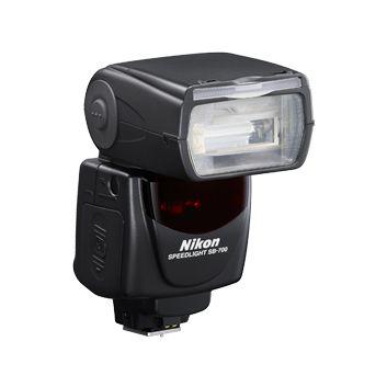 #Nikon SB-700 #vaku  Sokoldalú, könnyedén kezelhető vaku, amely kompatibilis a Nikon FX- és DX-formátumú tükörreflexes fényképezőgépeivel, valamint a Nikon Kreatív megvilágítási rendszerével. Hihetetlenül intuitív működés, számos fejlett funkcióval, amelyek megkönnyítik a fény minőségének és irányának kezelését. Három fényeloszlási minta biztosítja a vaku képfedésének teljes kézben tartását, a könnyedén hozzáférhető A:B mód pedig több vaku vezeték nélküli irányítását teszi lehetővé...