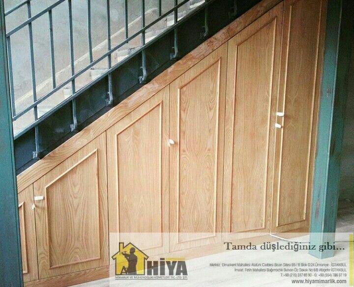 Meşe kaplama eğimli merdiven altı dolap uygulaması  www.hiyamimarlik.com