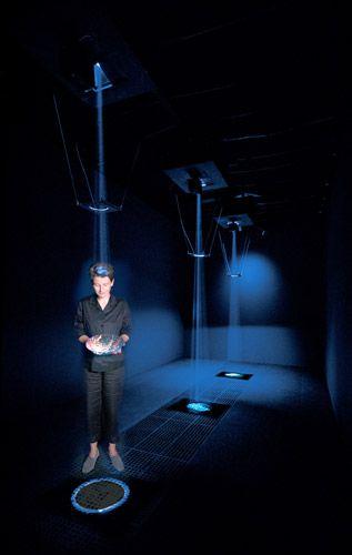 Lynette Wallworth - Hold: Vessel 1, 2001
