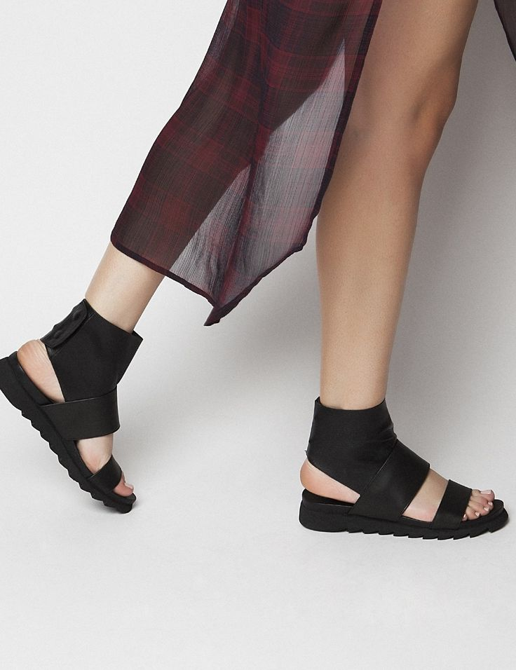Zafira Black S/S 2015 #Fred #keepfred #shoes #collection #leather #fashion #style #new #women #trends #black #sandals