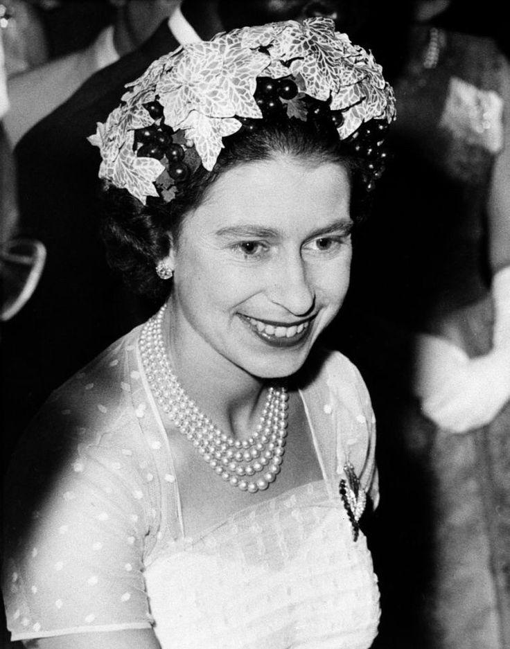 королева елизавета английская в молодости фото морские