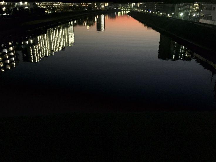 新河岸川黄昏の川面。北赤羽。