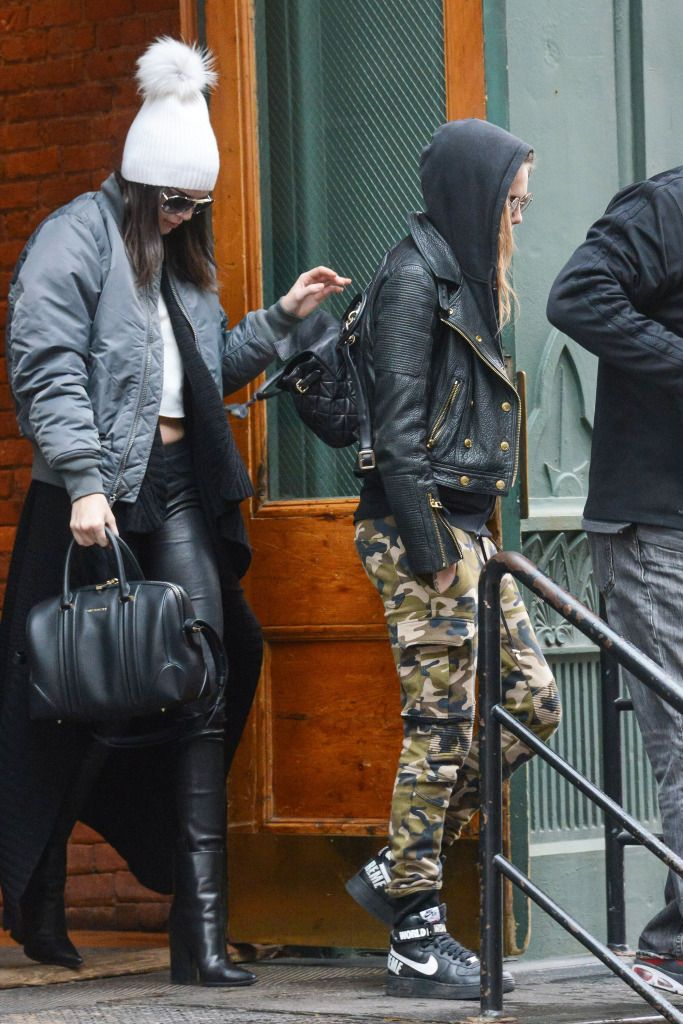 Cara Delevingne & Kendall Jenner Leave Taylor Swift's House After If Was Revealed She May Have Been 'Too Bloated' For Victoria's Secre - http://oceanup.com/2014/12/10/cara-delevingne-kendall-jenner-leave-taylor-swifts-house-after-if-was-revealed-she-may-have-been-too-bloated-for-victorias-secre/