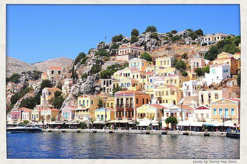 Symi, Greece - en nydelig perle av en øy utenfor Rhodos.